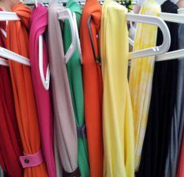Szał odzieży używanej – na co uważać w second handzie